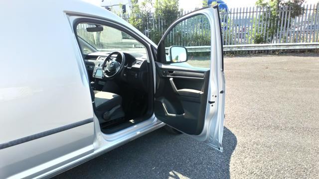 2017 Volkswagen Caddy 2.0 Tdi Bluemotion Tech 102Ps Highline Van (GD67DKL) Image 13