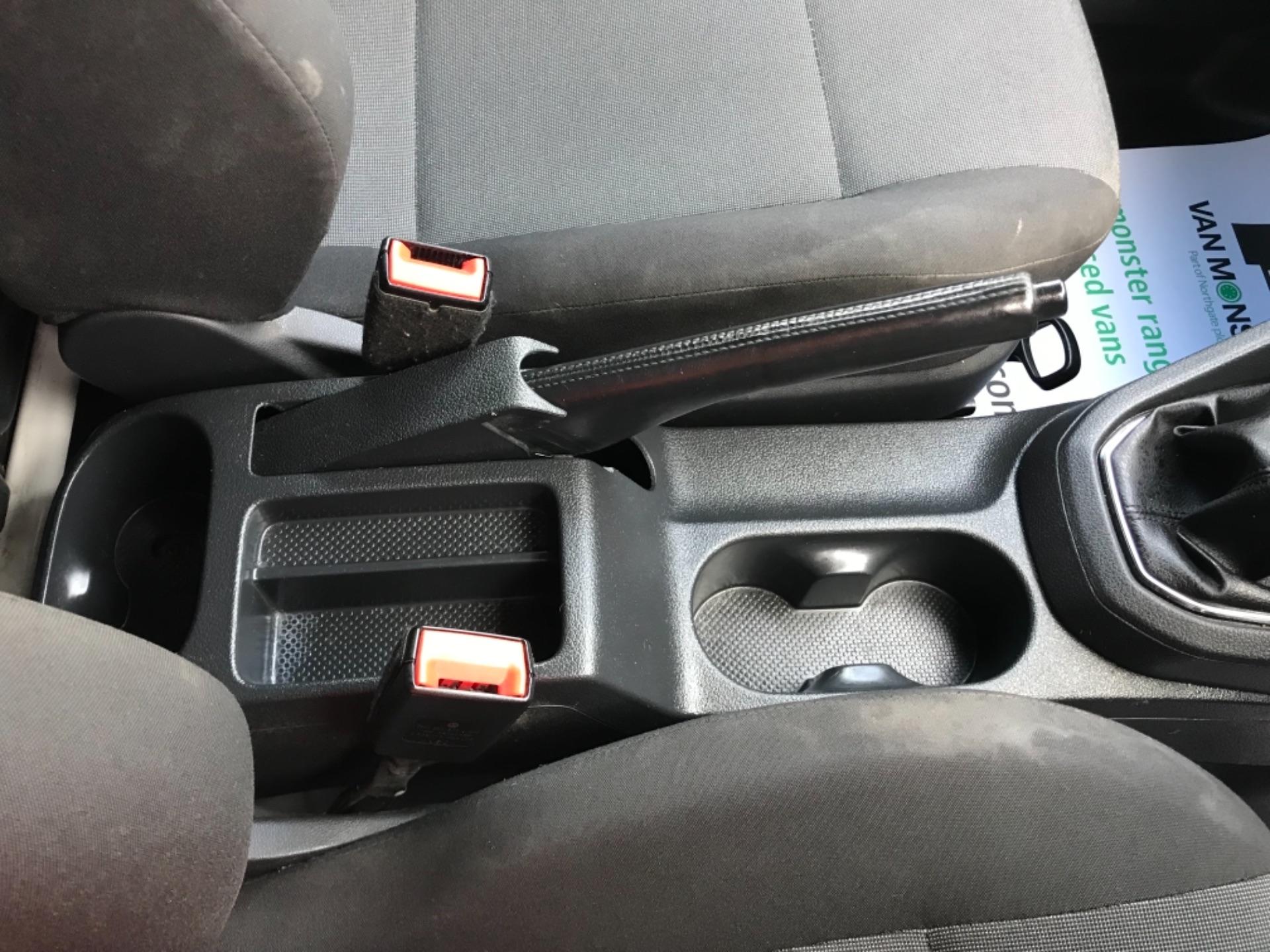 2017 Volkswagen Caddy 2.0 Tdi Bluemotion Tech 102Ps Startline Van (GD67DKO) Image 24