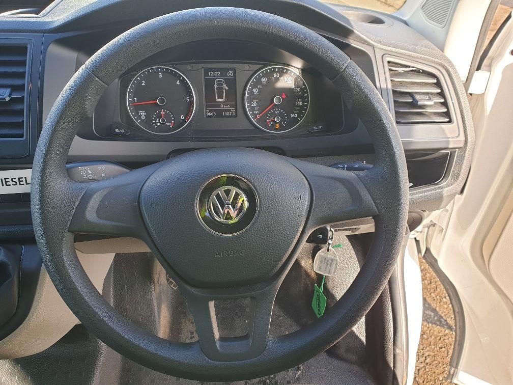 2018 Volkswagen Transporter 2.0 Tdi Bmt 102 Startline Van Euro 6 (GD68SDX) Image 17