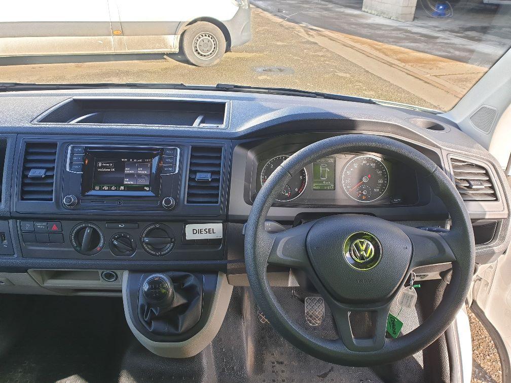 2018 Volkswagen Transporter 2.0 Tdi Bmt 102 Startline Van Euro 6 (GD68SDX) Image 16