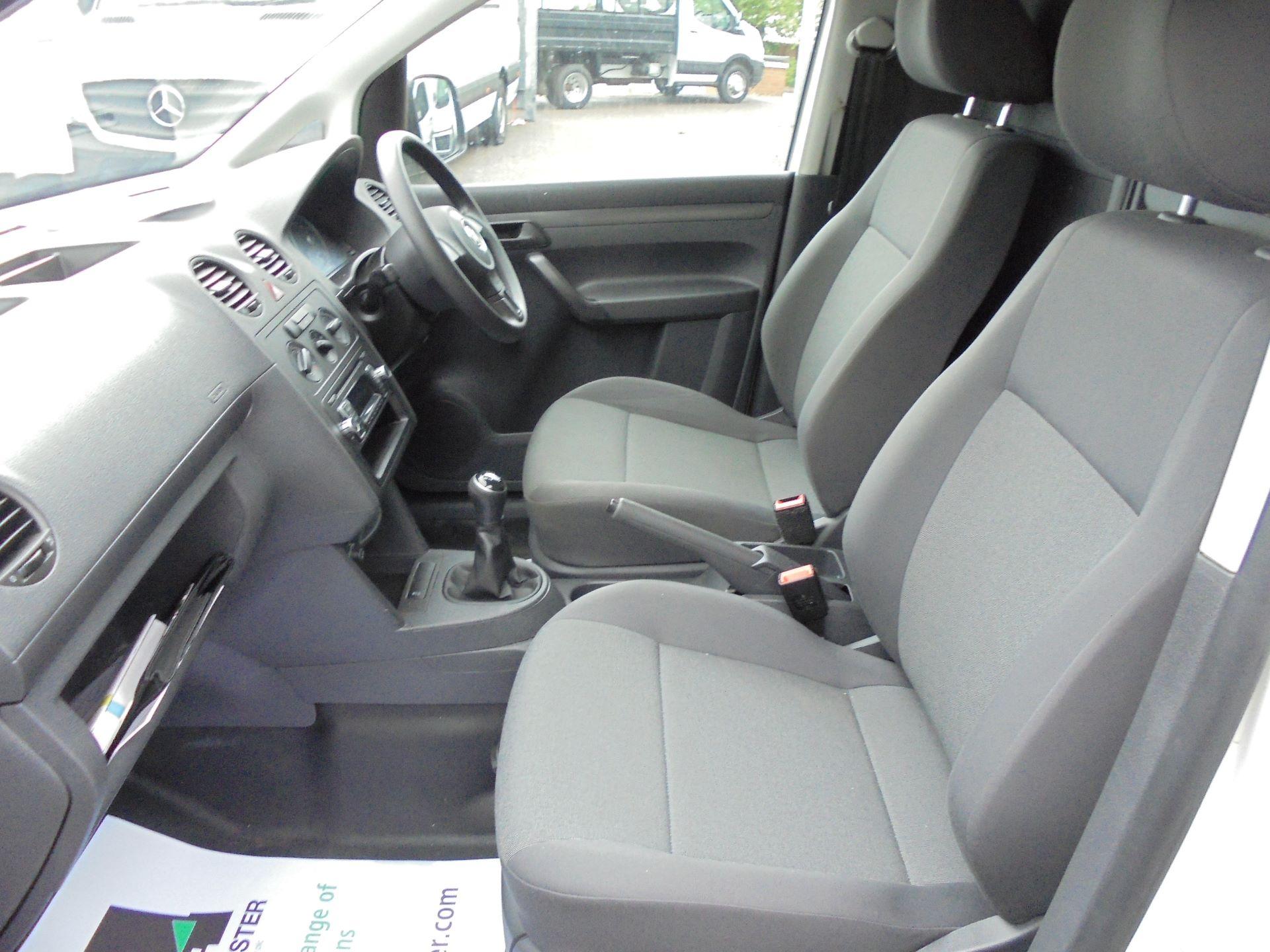 2015 Volkswagen Caddy Maxi  1.6 102PS STARTLINE EURO 5 (GF15XTM) Image 14