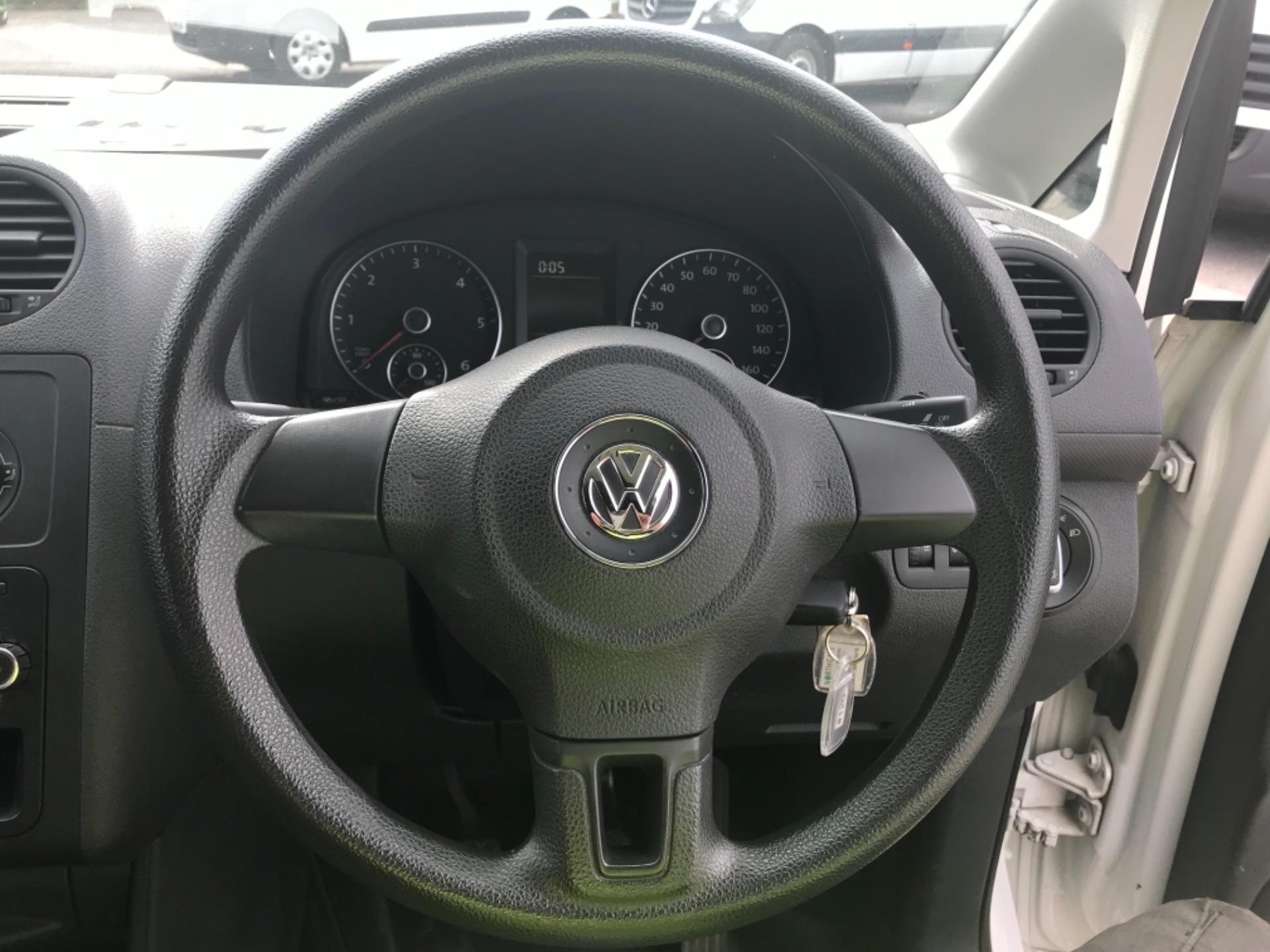 2016 Volkswagen Caddy Maxi 1.6 102PS STARTLINE EURO 5 (GF16GHK) Image 16