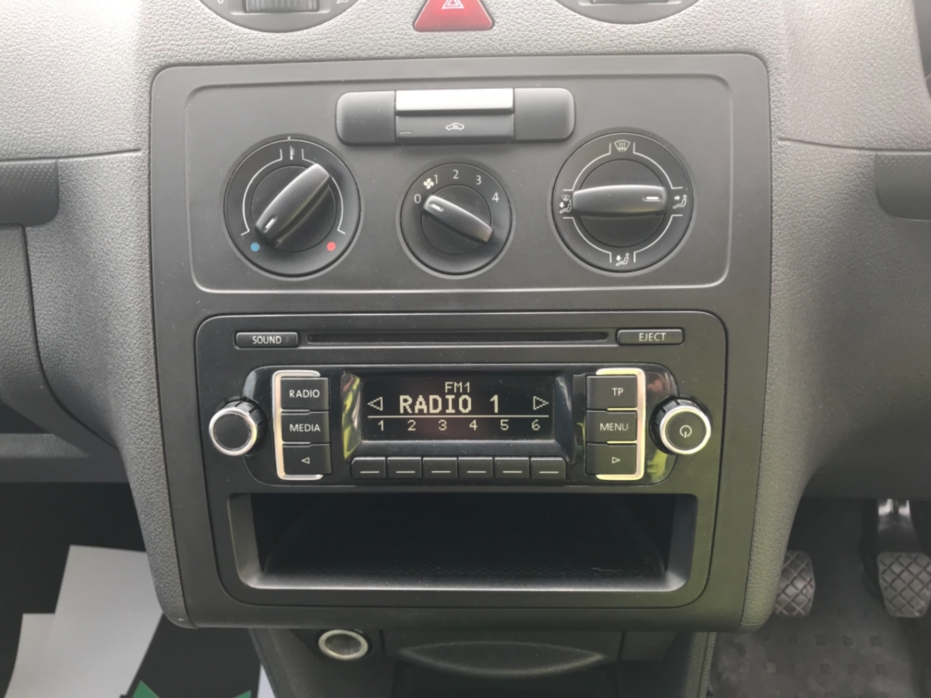 2016 Volkswagen Caddy Maxi 1.6 102PS STARTLINE EURO 5 (GF16GHK) Image 14