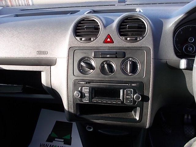 2016 Volkswagen Caddy  MAXI 1.6 102PS STARTLINE EURO 5 (GF16GHZ) Image 17