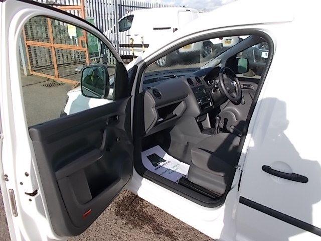 2016 Volkswagen Caddy  MAXI 1.6 102PS STARTLINE EURO 5 (GF16GHZ) Image 13