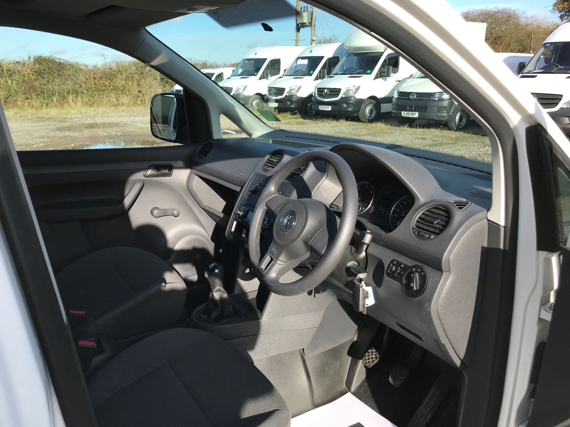 2016 Volkswagen Caddy Maxi  MAXI 1.6 102PS STARTLINE EURO 5 (GF16GJY) Image 17