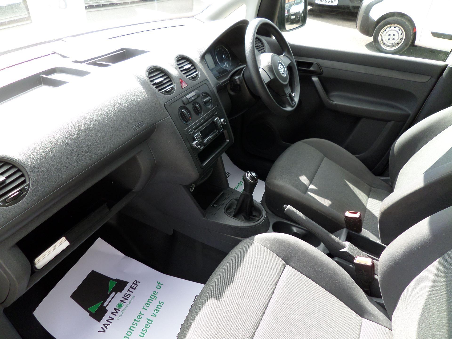 2016 Volkswagen Caddy Maxi 1.6 Tdi 102Ps Startline Van (GF16KTE) Image 12