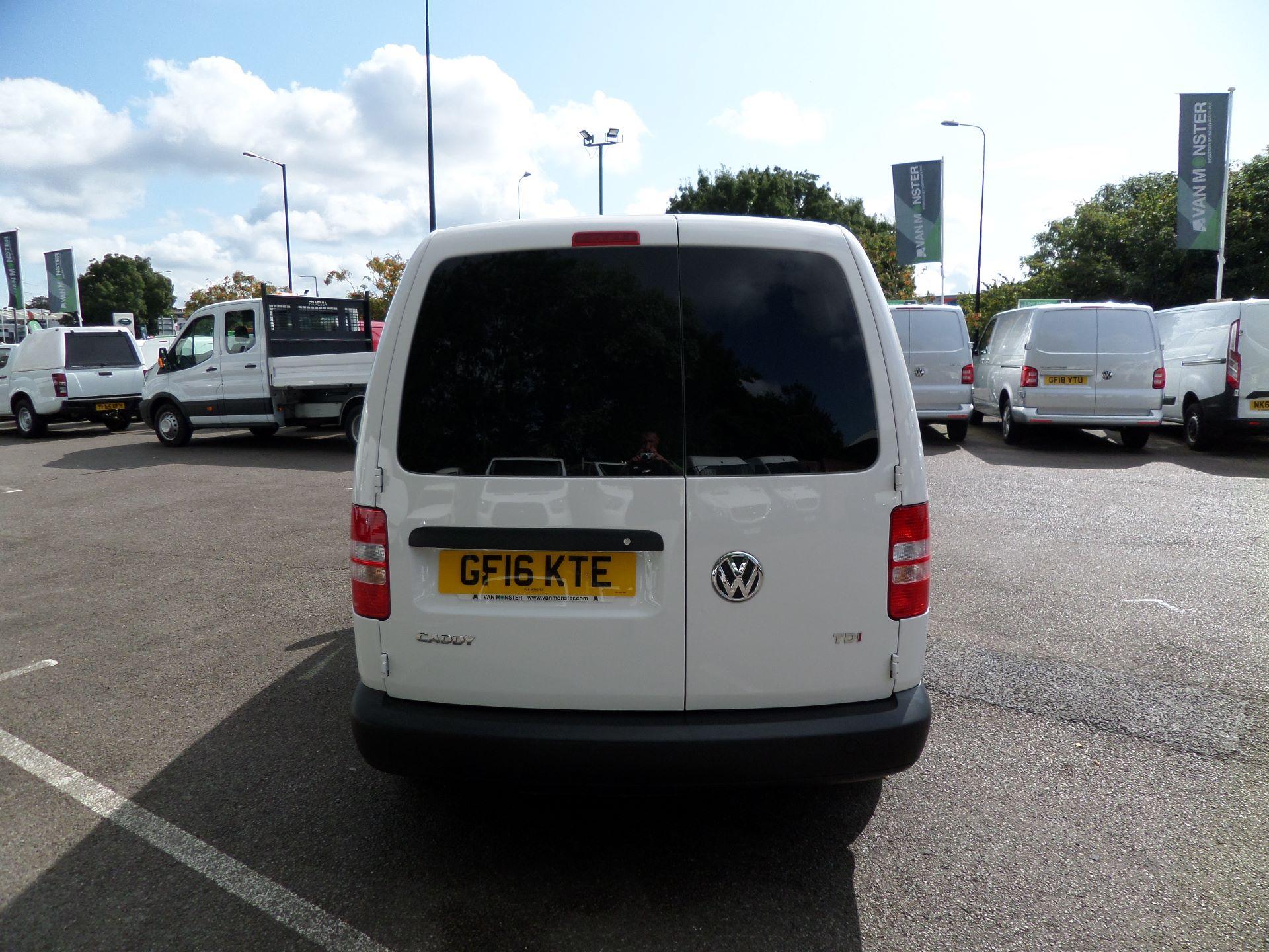 2016 Volkswagen Caddy Maxi 1.6 Tdi 102Ps Startline Van (GF16KTE) Image 9
