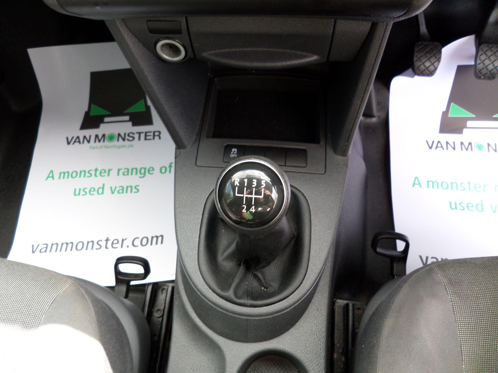 2016 Volkswagen Caddy Maxi 1.6 Tdi 102Ps Startline Van (GF16KTE) Image 4