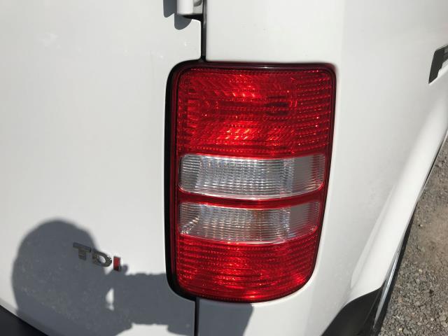 2016 Volkswagen Caddy Maxi 1.6 Tdi 102Ps Startline Van (GF16KTG) Image 18