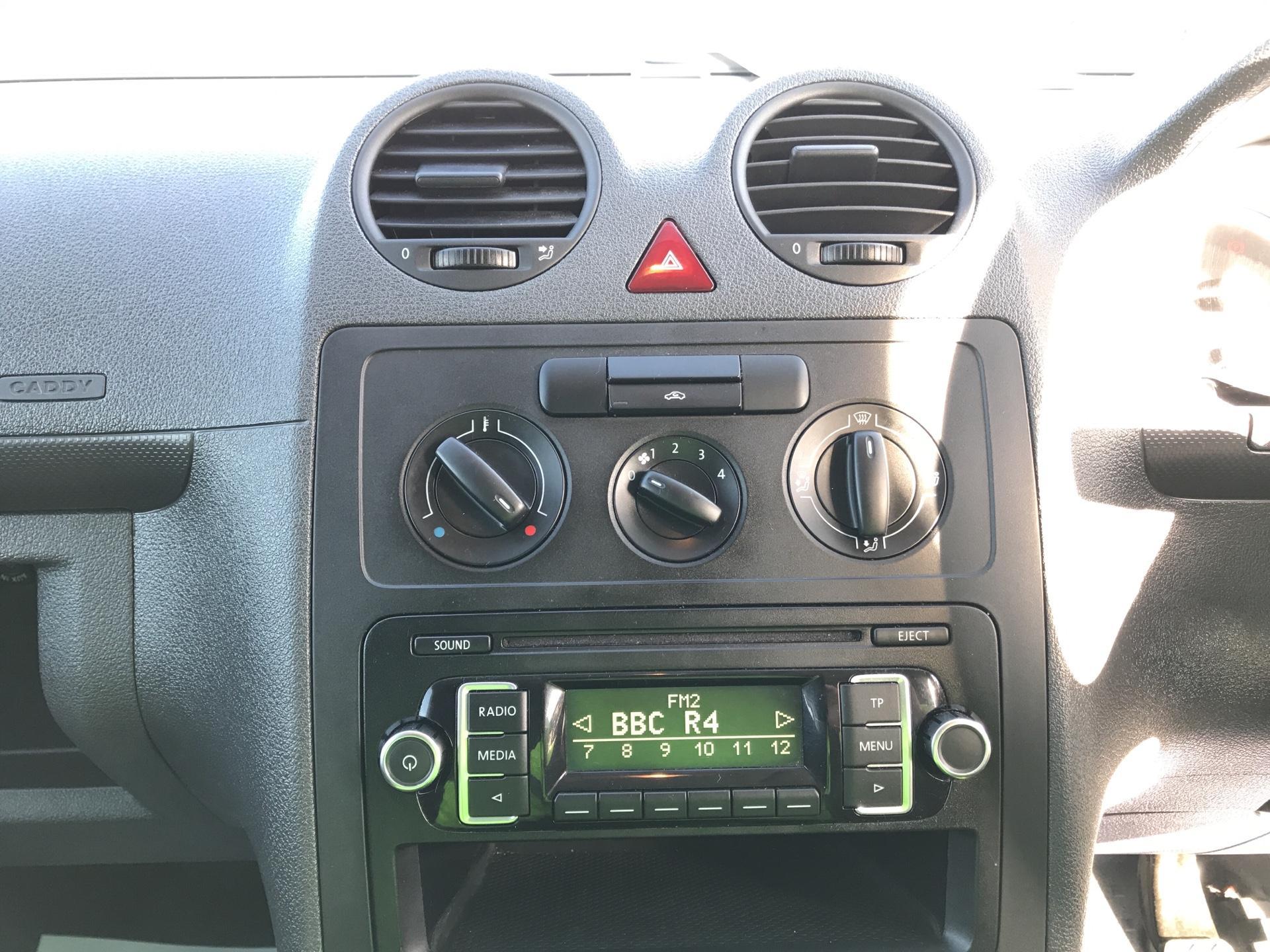 2016 Volkswagen Caddy Maxi  C20 102PS Startline Maxi Euro 5 (GF16KTJ) Image 10