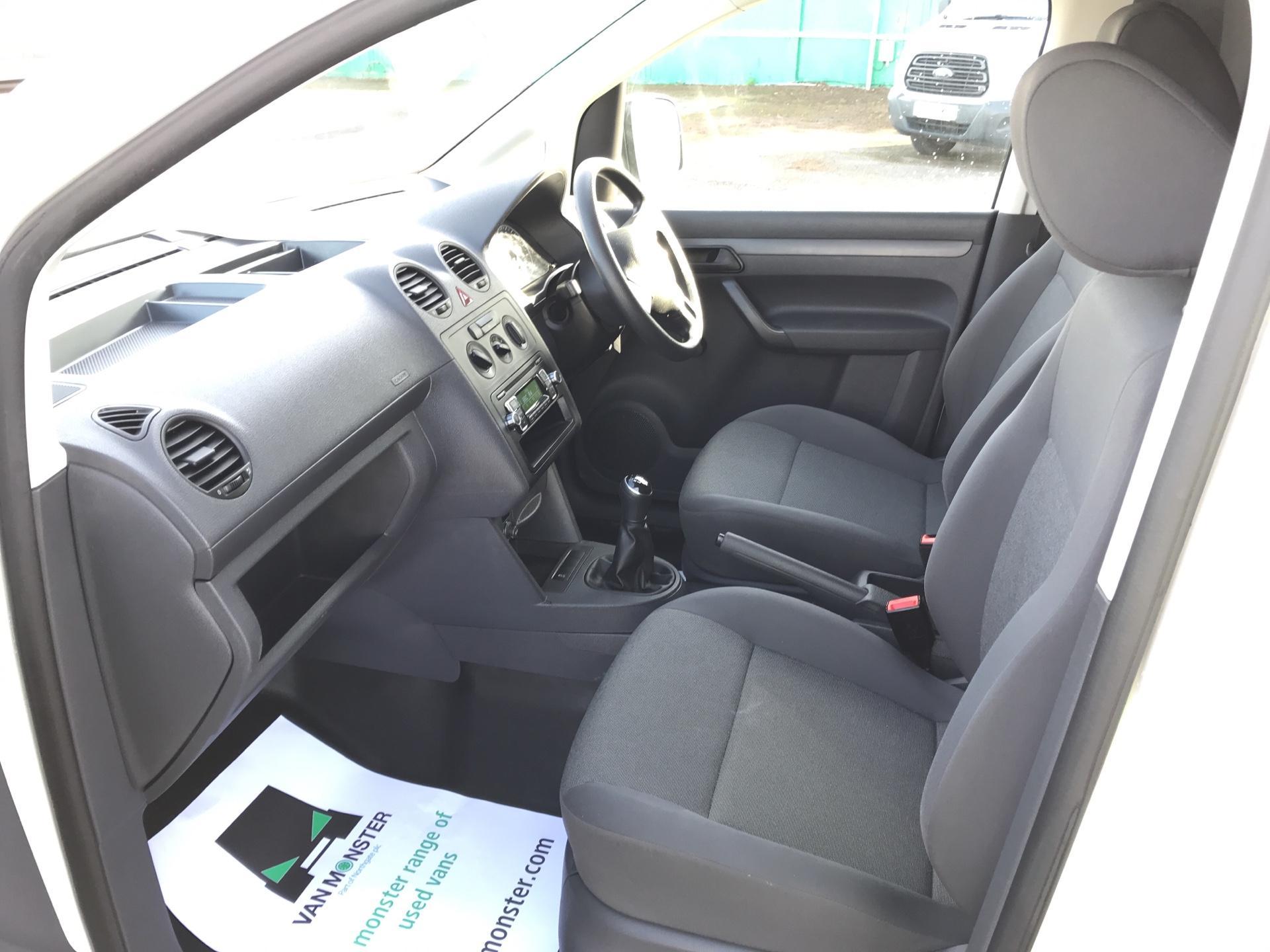 2016 Volkswagen Caddy Maxi  C20 102PS Startline Maxi Euro 5 (GF16KTJ) Image 14