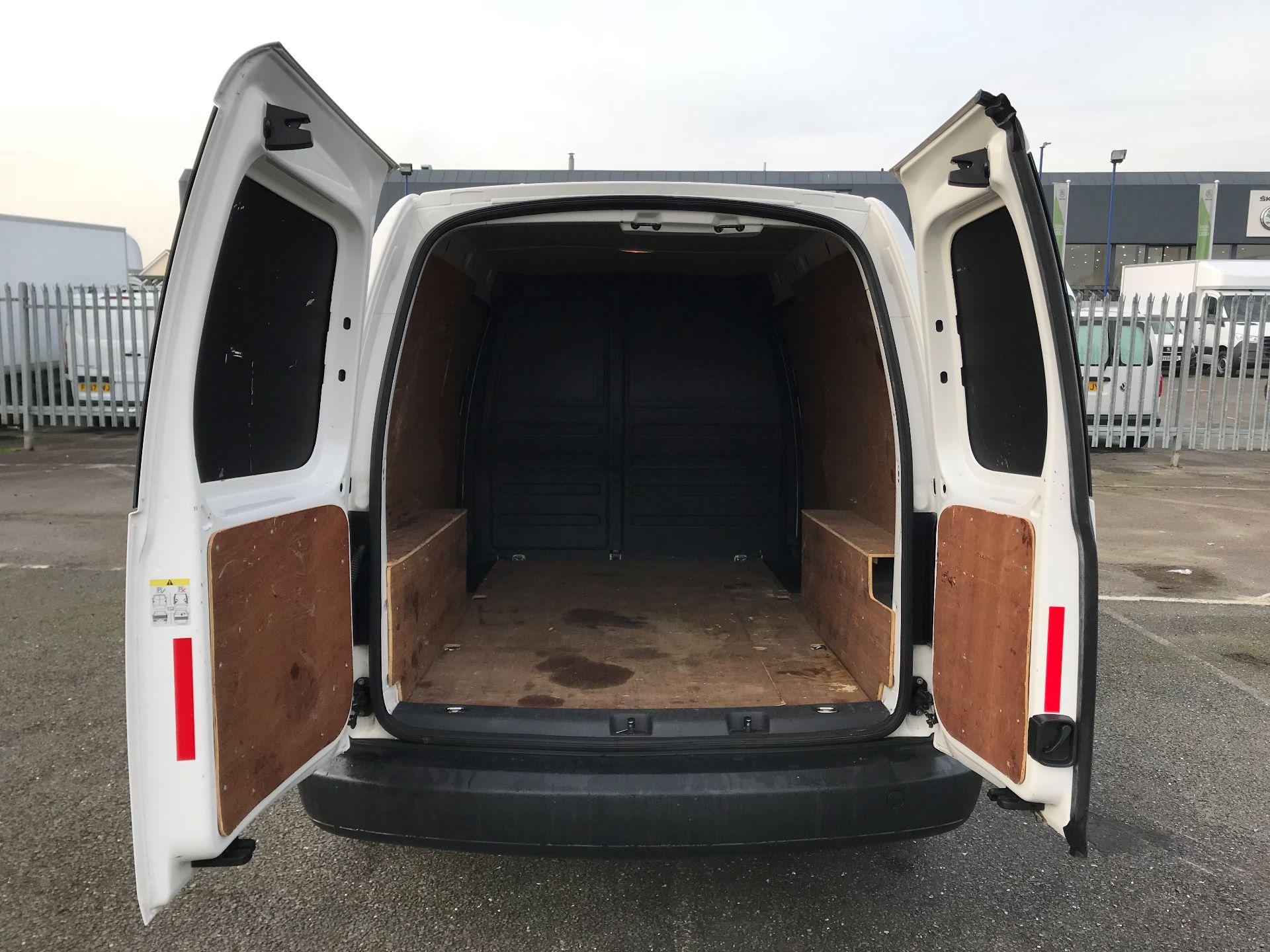 2016 Volkswagen Caddy Maxi  C20 102PS Startline Euro 5 (GF16KTV) Image 7