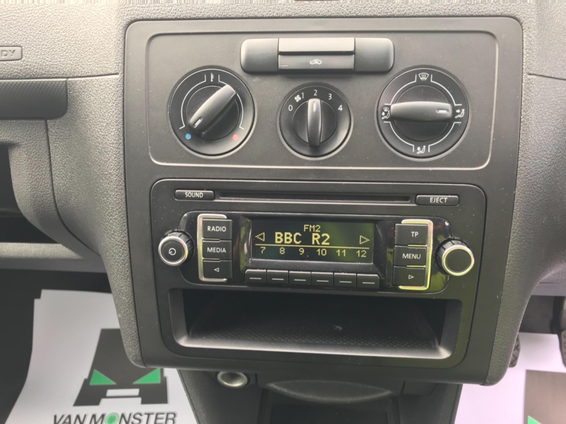 2016 Volkswagen Caddy Maxi 1.6 Tdi 102Ps Startline Euro 6 (GF16KUA) Image 15