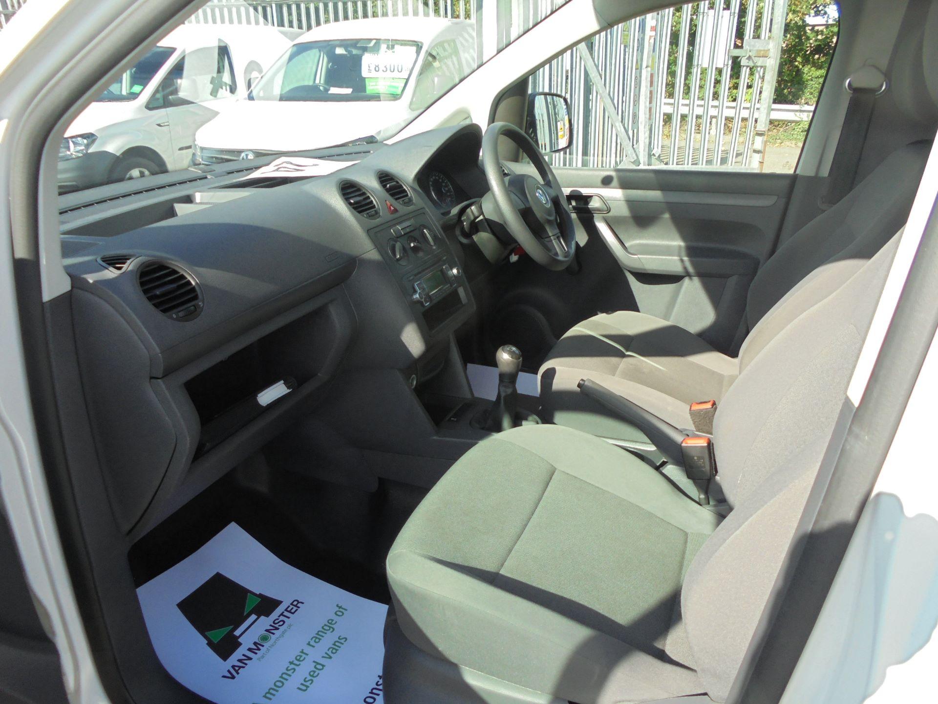 2016 Volkswagen Caddy Maxi  1.6 102PS STARTLINE EURO 5 (GF16KUK) Image 18