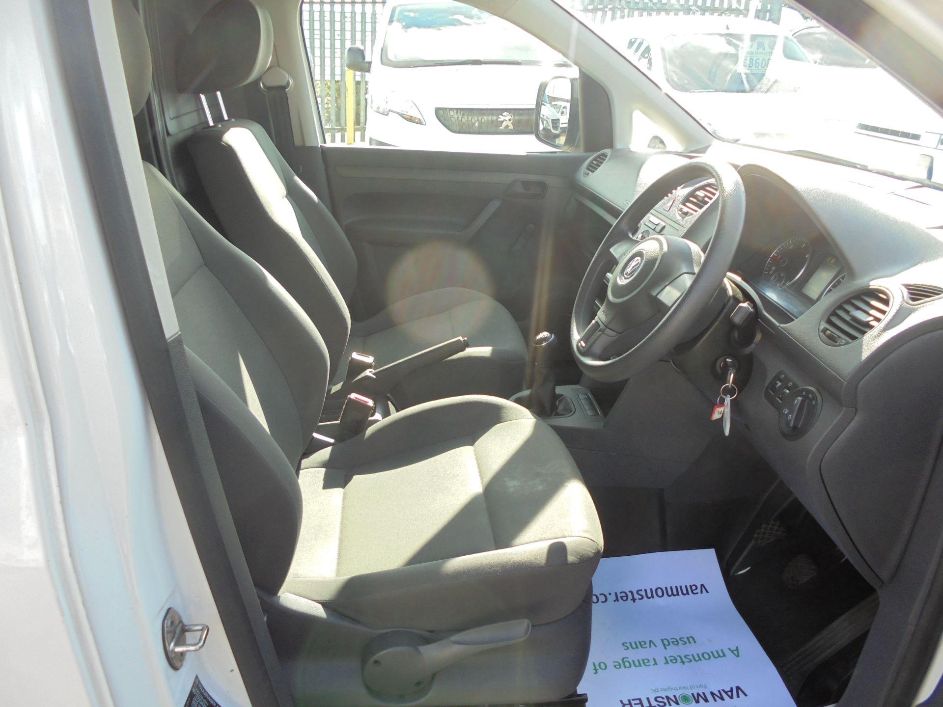 2016 Volkswagen Caddy Maxi  1.6 102PS STARTLINE EURO 5 (GF16KUK) Image 9