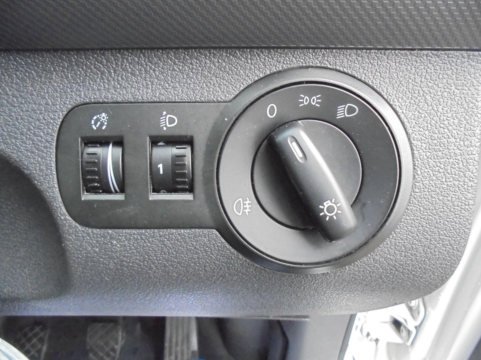 2016 Volkswagen Caddy Maxi 1.6 Tdi 102Ps Startline Van EURO 5 (GF16KUU) Image 17
