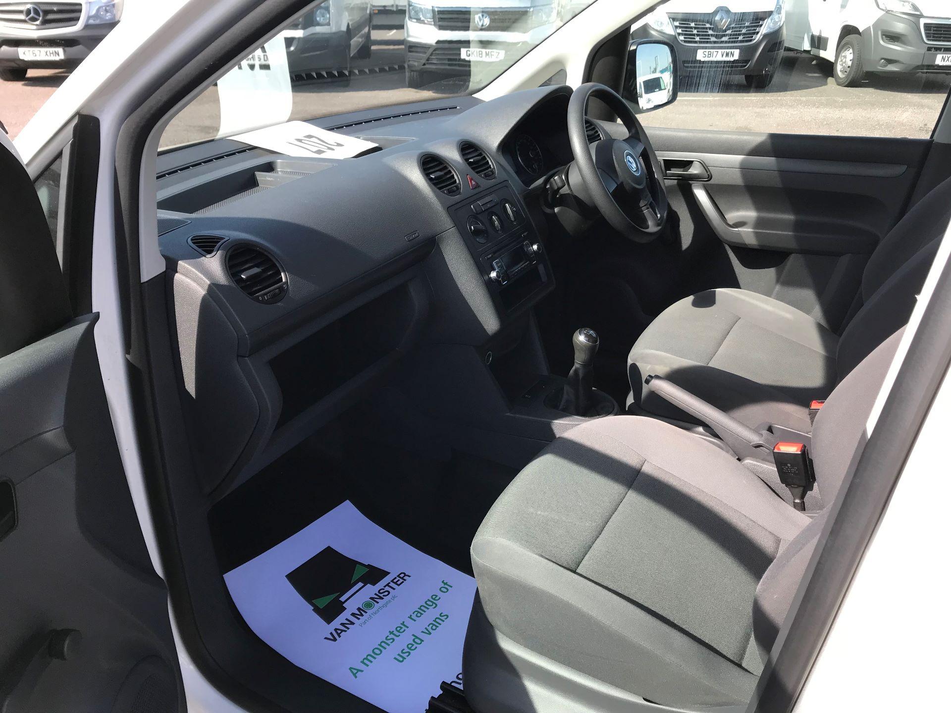 2016 Volkswagen Caddy Maxi  C20 102PS Startline Euro 5 (GF16KVE) Image 20