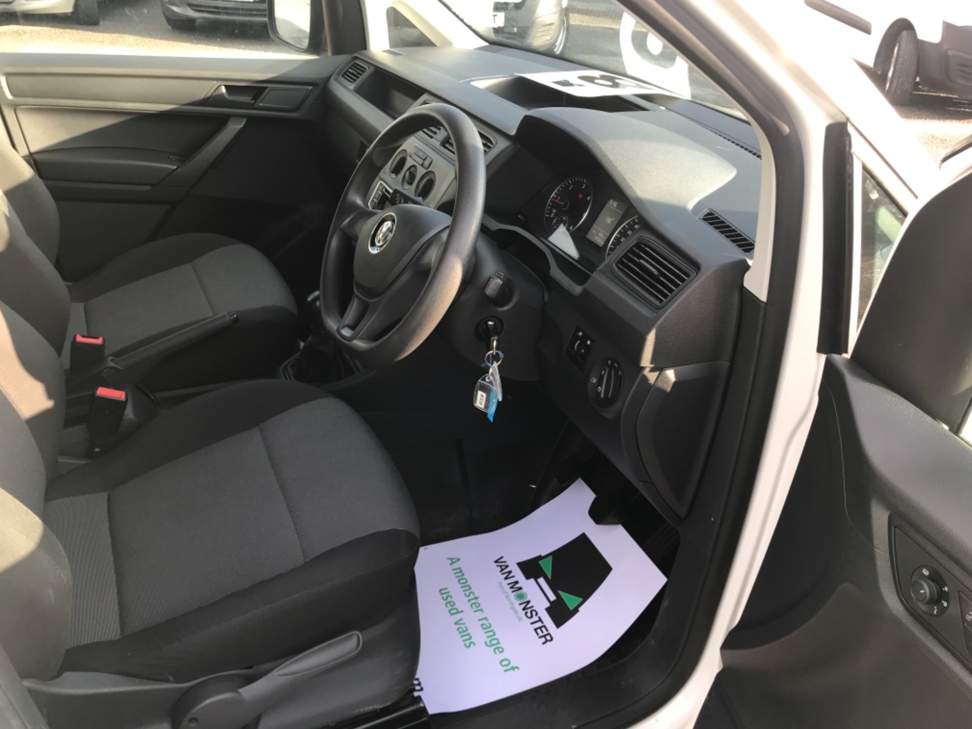 2016 Volkswagen Caddy  2.0 102PS BLUEMOTION TECH 102 STARTLINE EURO 6 (GF16KVS) Image 9