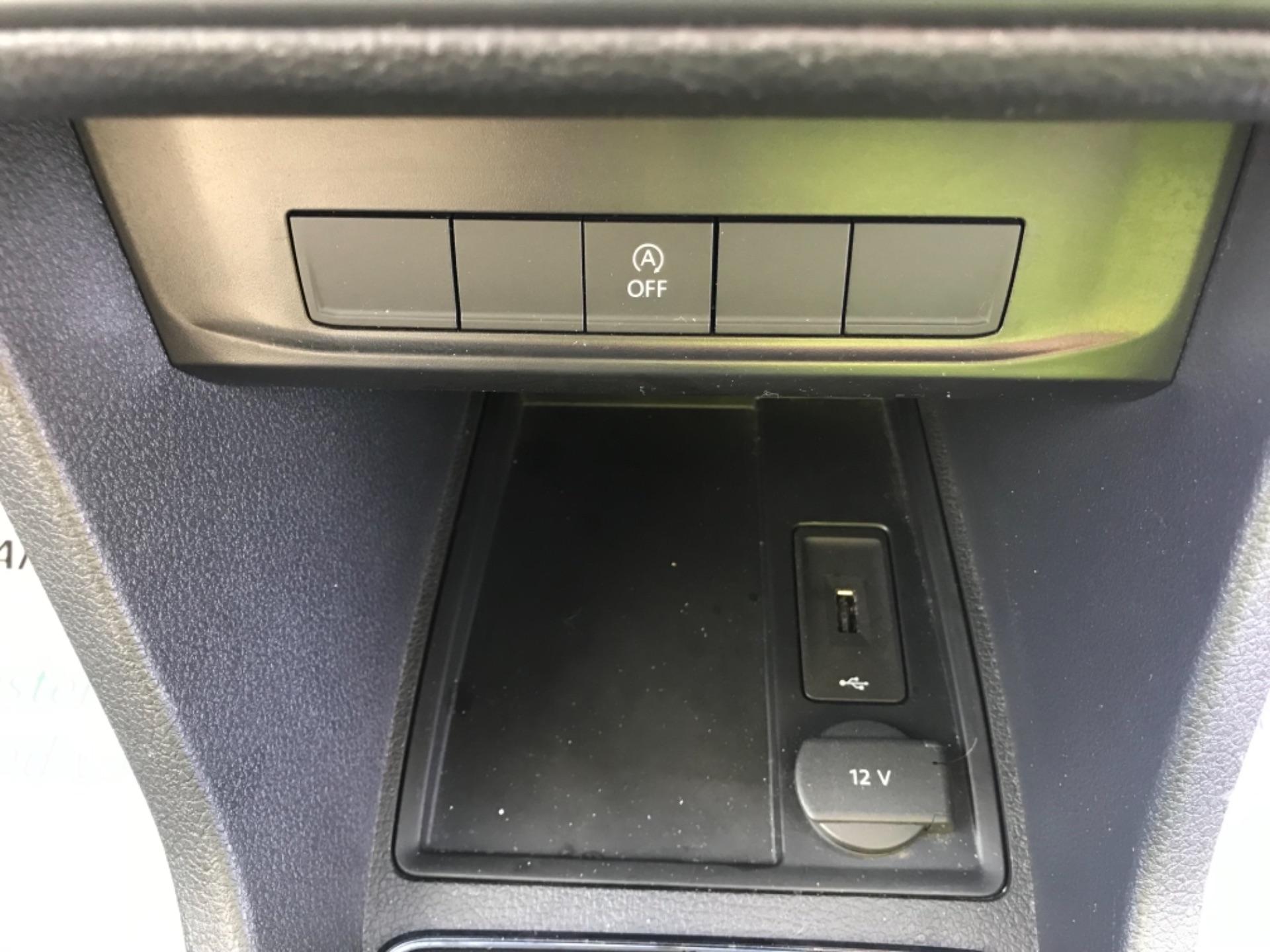 2016 Volkswagen Caddy  2.0 102PS BLUEMOTION TECH 102 STARTLINE EURO 6 (GF16KVS) Image 14