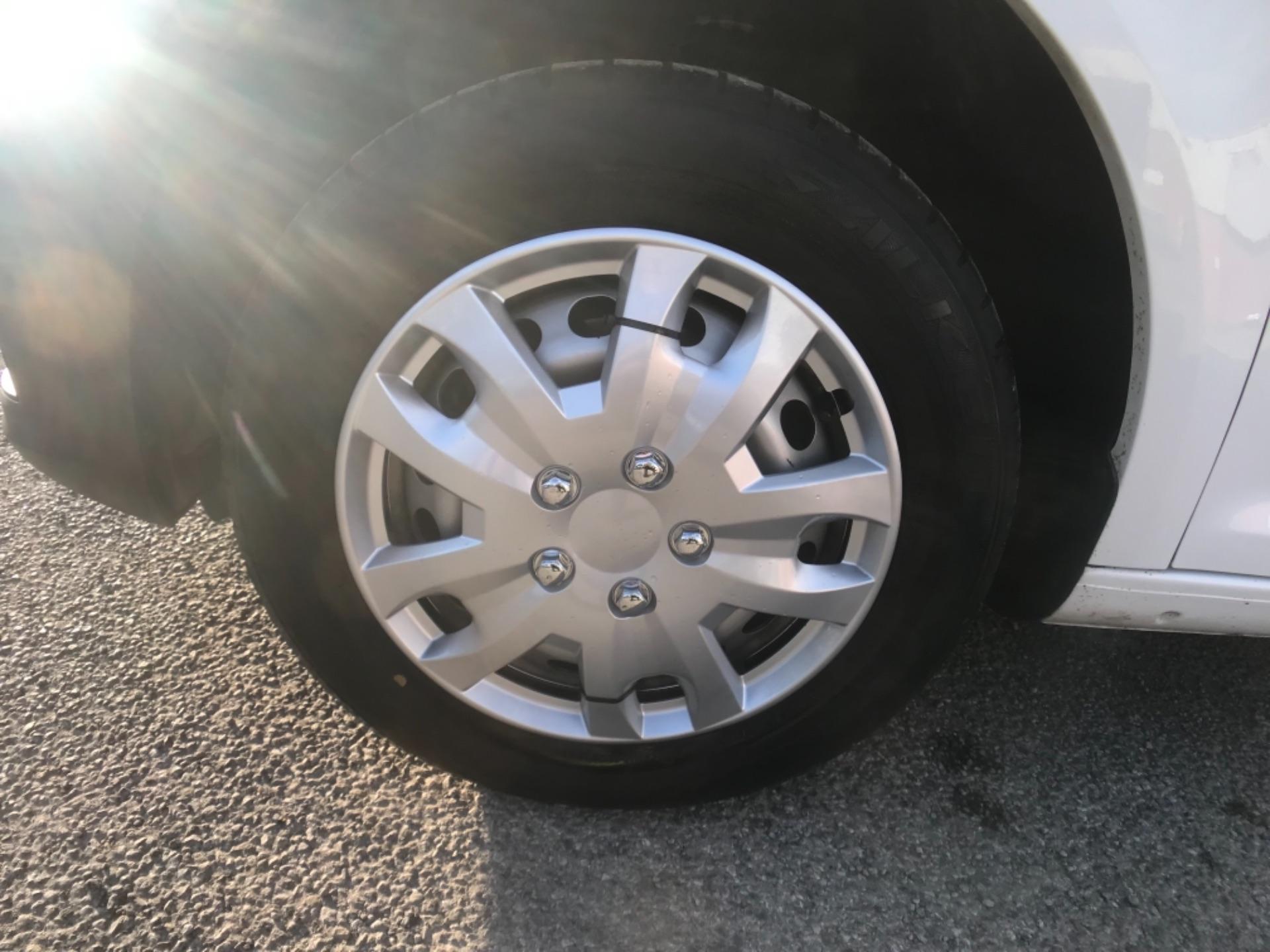 2016 Volkswagen Caddy  2.0 102PS BLUEMOTION TECH 102 STARTLINE EURO 6 (GF16KVS) Image 23