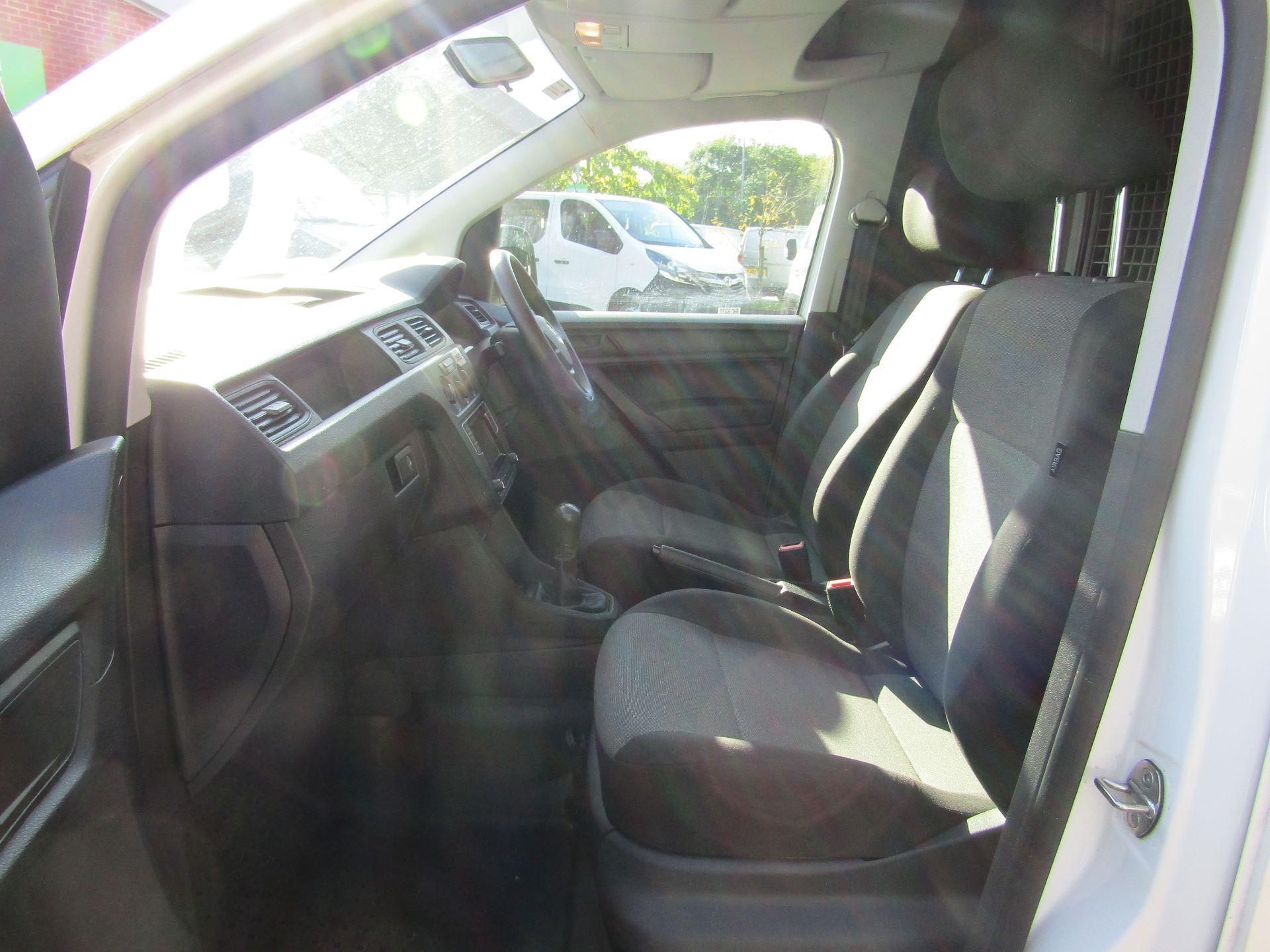 2016 Volkswagen Caddy  2.0 102PS BLUEMOTION TECH 102 STARTLINE EURO 6 (GF16KVU) Image 16