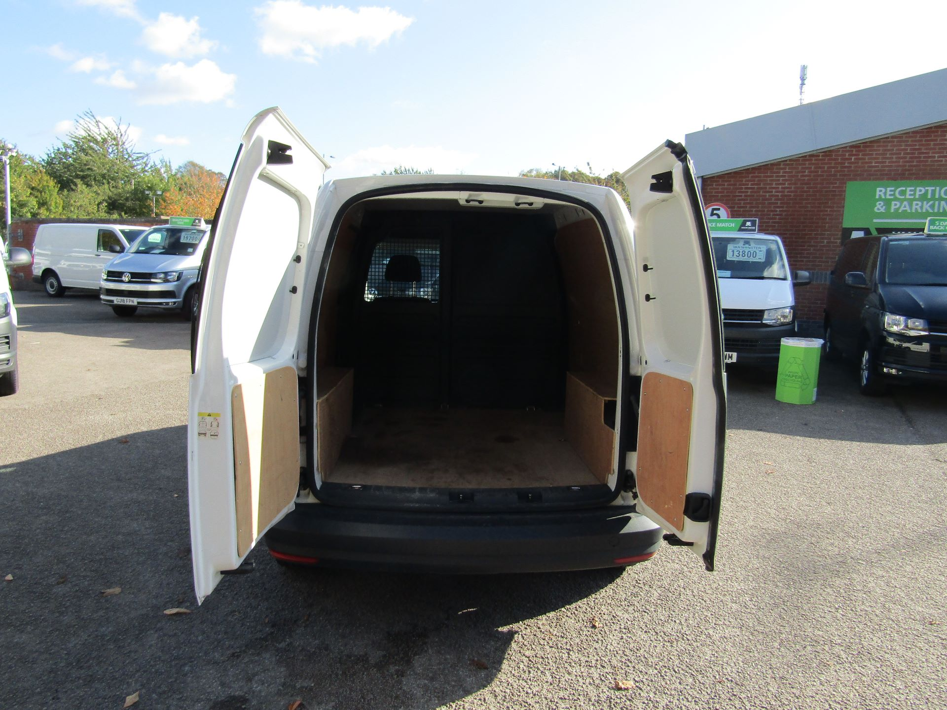 2016 Volkswagen Caddy  2.0 102PS BLUEMOTION TECH 102 STARTLINE EURO 6 (GF16KVU) Image 11