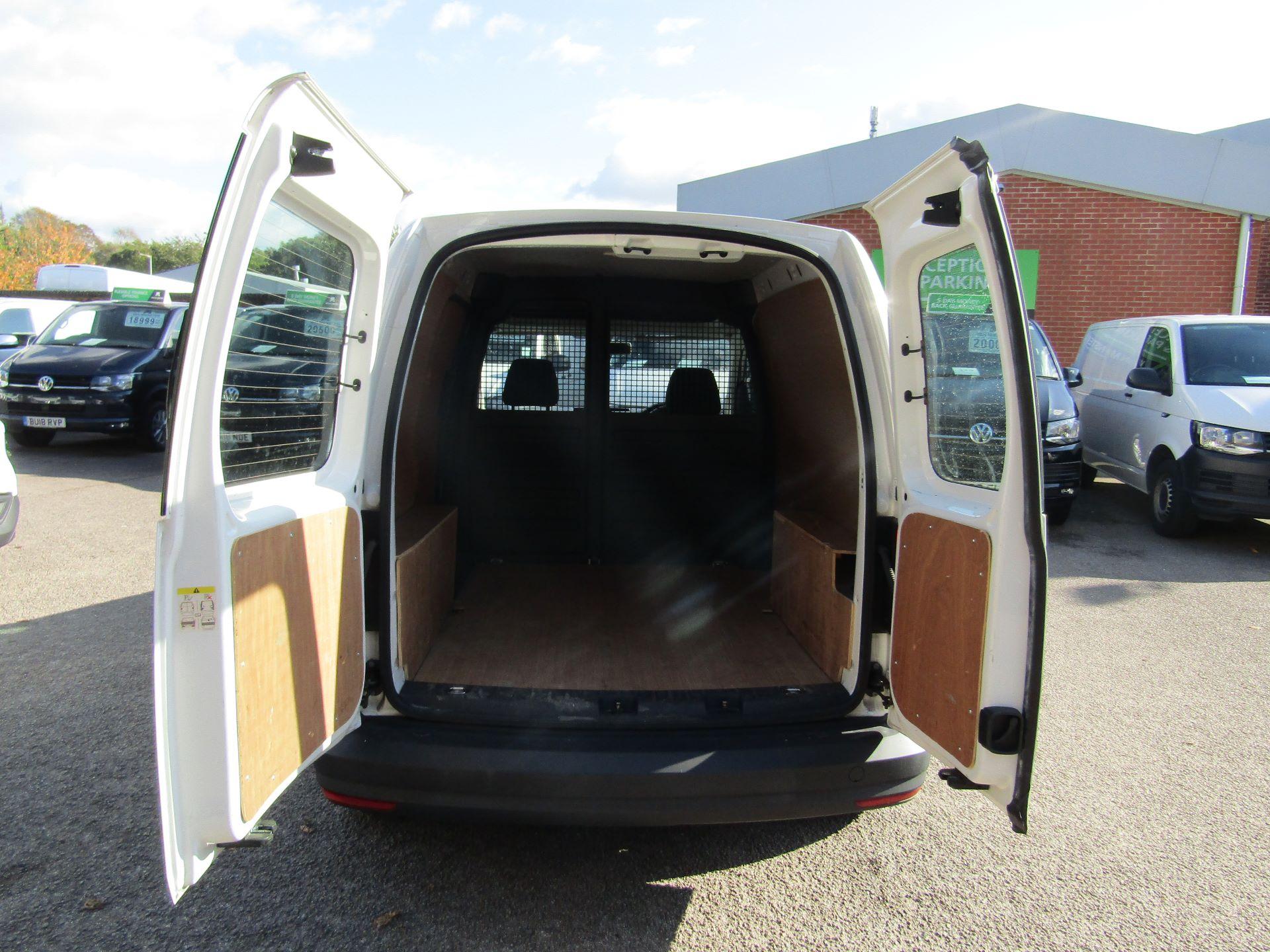 2016 Volkswagen Caddy  2.0 102PS BLUEMOTION TECH 102 STARTLINE EURO 6 (GF16KWA) Image 11