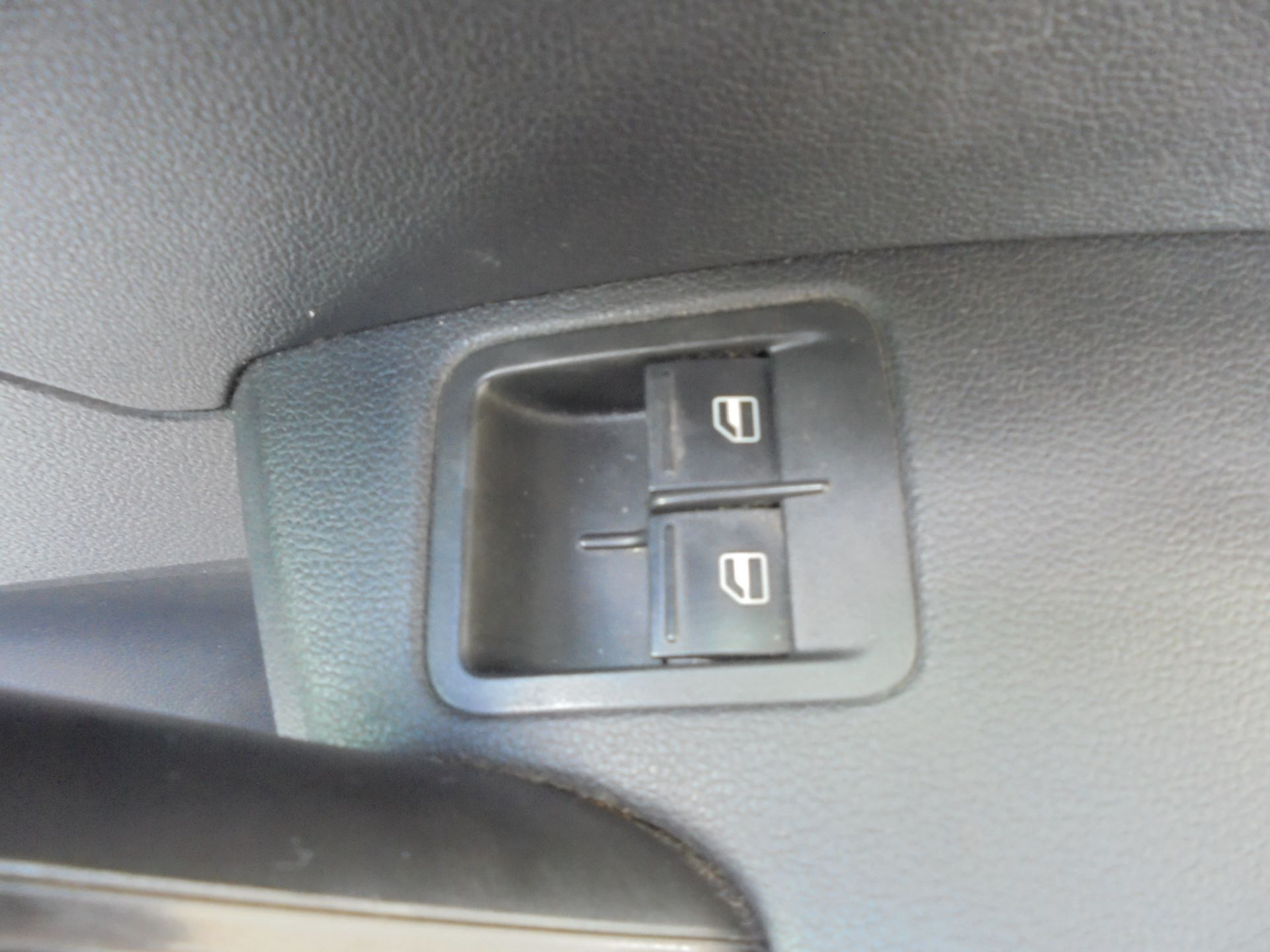 2016 Volkswagen Caddy  2.0 102PS BLUEMOTION TECH 102 STARTLINE EURO 6 (GF16KWD) Image 19