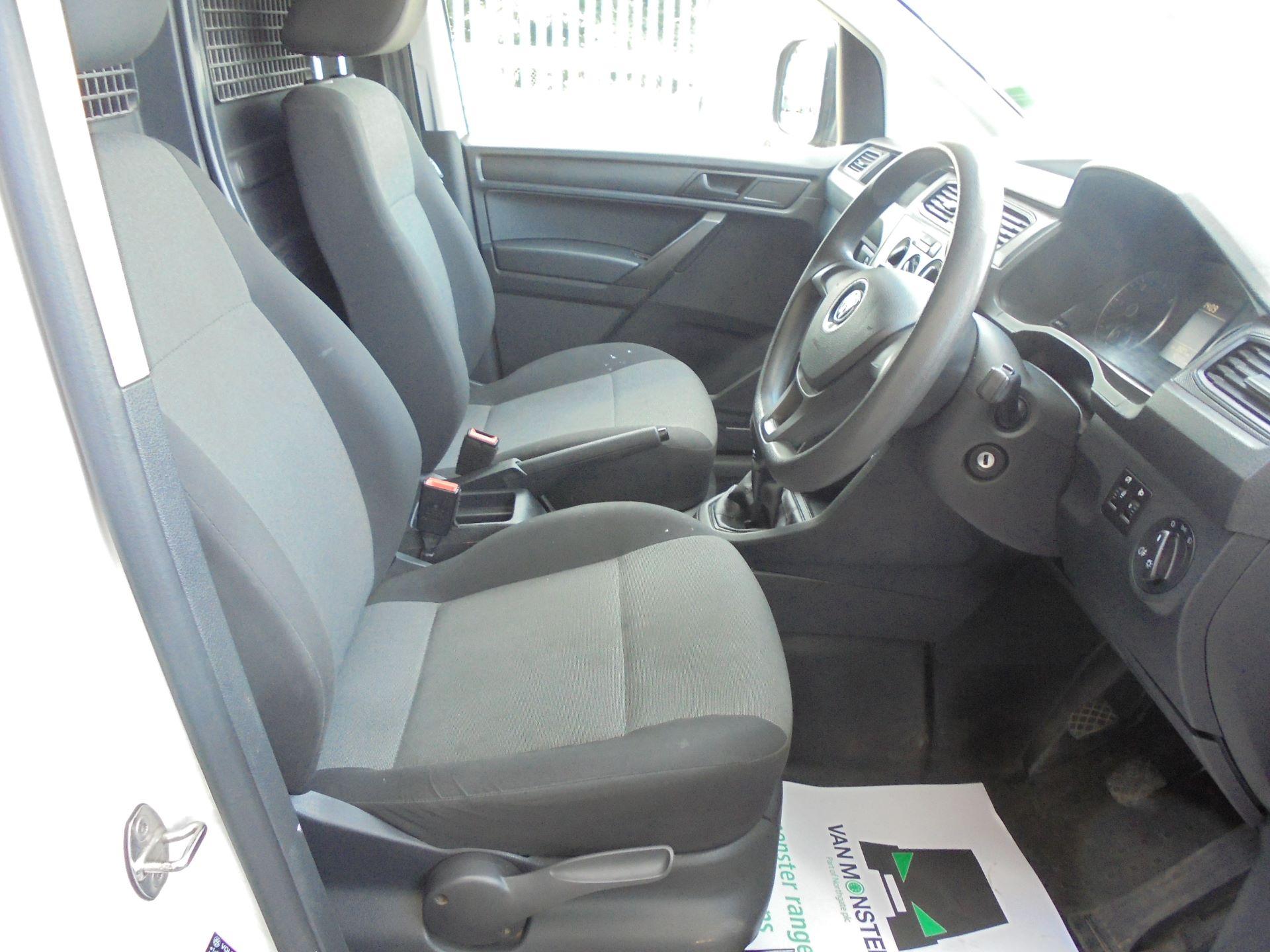 2016 Volkswagen Caddy  2.0 102PS BLUEMOTION TECH 102 STARTLINE EURO 6 (GF16KWD) Image 9