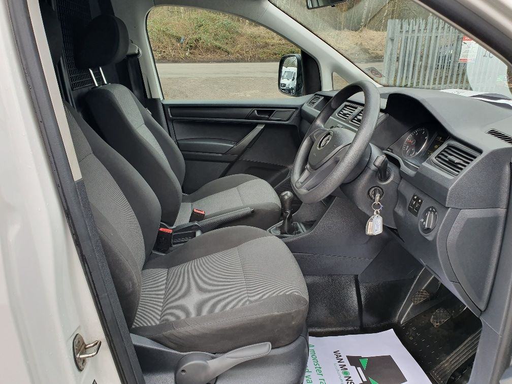 2016 Volkswagen Caddy 2.0 Tdi Bluemotion Tech 102Ps Startline Van (GF16NPU) Image 5