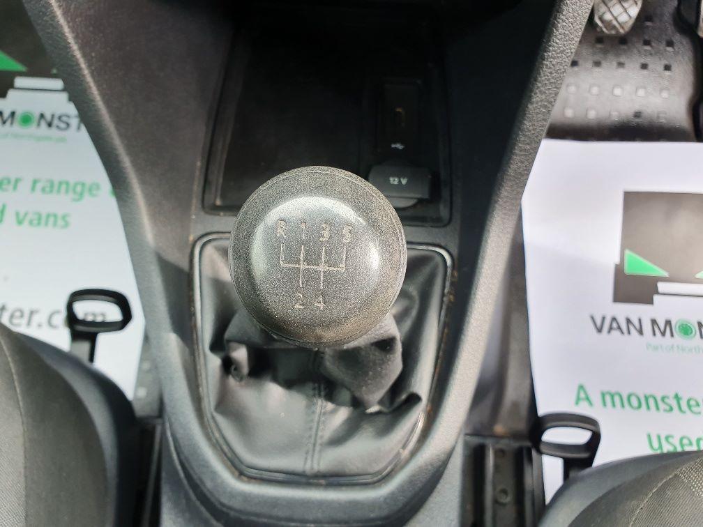 2016 Volkswagen Caddy 2.0 Tdi Bluemotion Tech 102Ps Startline Van (GF16NPU) Image 8