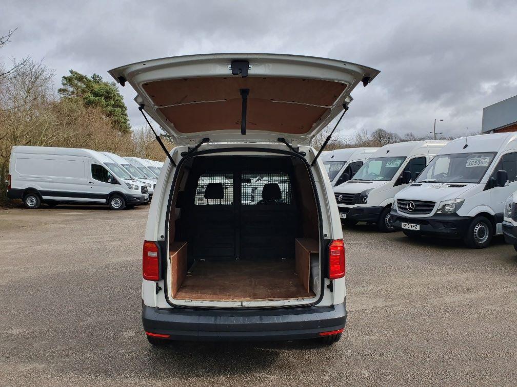 2016 Volkswagen Caddy 2.0 Tdi Bluemotion Tech 102Ps Startline Van (GF16NPU) Image 10