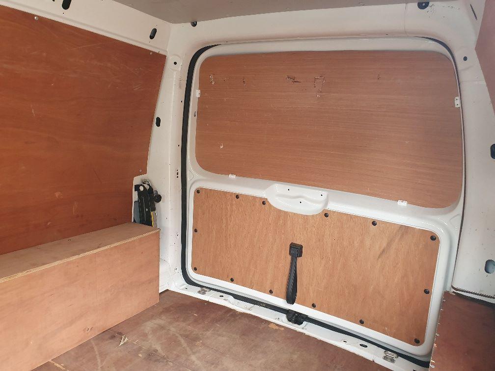 2016 Volkswagen Caddy 2.0 Tdi Bluemotion Tech 102Ps Startline Van (GF16NPU) Image 14