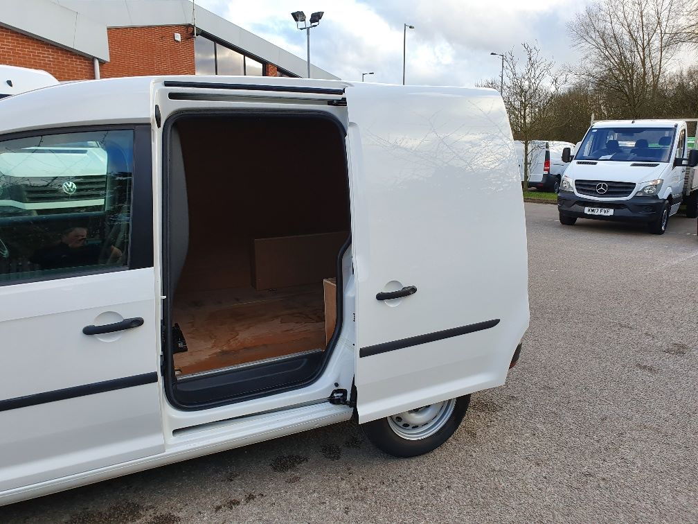 2016 Volkswagen Caddy  2.0 102PS BLUEMOTION TECH 102 STARTLINE EURO 6 (GF16TJX) Thumbnail 13