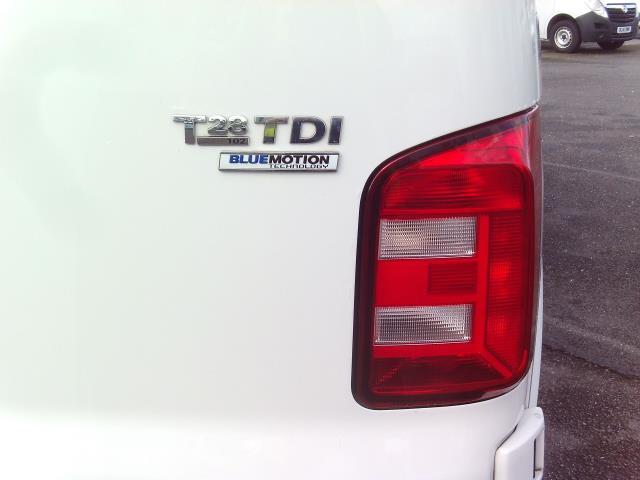 2016 Volkswagen Transporter T28 SWB DIESEL 2.0 TDI BMT 102 STARTLINE EURO 5 (GF16TUV) Image 13
