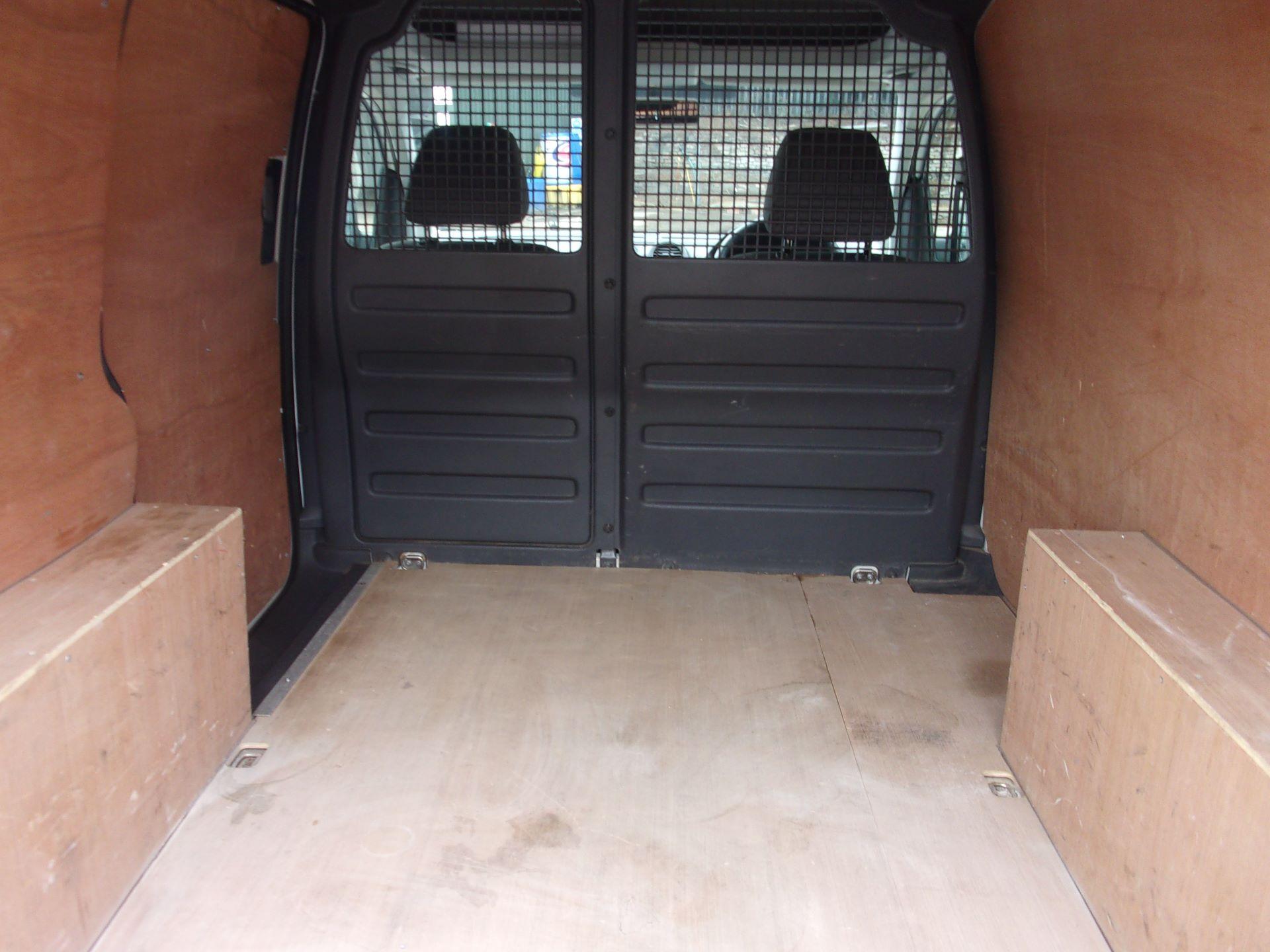2017 Volkswagen Caddy C20 1.6 TDI 75PS STARTLINE VAN EURO 5 (GF17AVK) Image 18