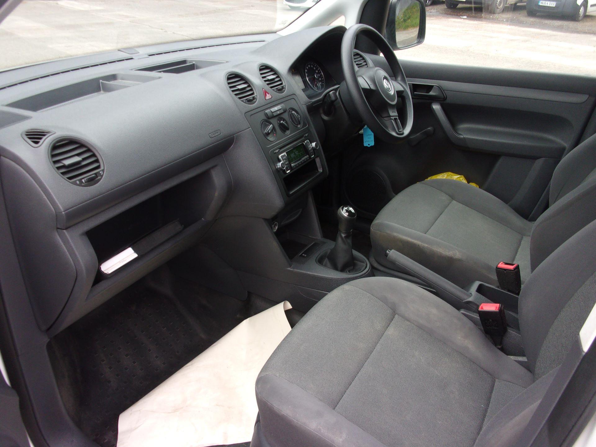 2017 Volkswagen Caddy C20 1.6 TDI 75PS STARTLINE VAN EURO 5 (GF17AVK) Image 13