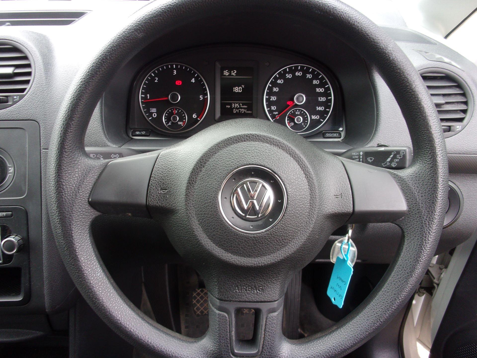 2017 Volkswagen Caddy C20 1.6 TDI 75PS STARTLINE VAN EURO 5 (GF17AVK) Image 5