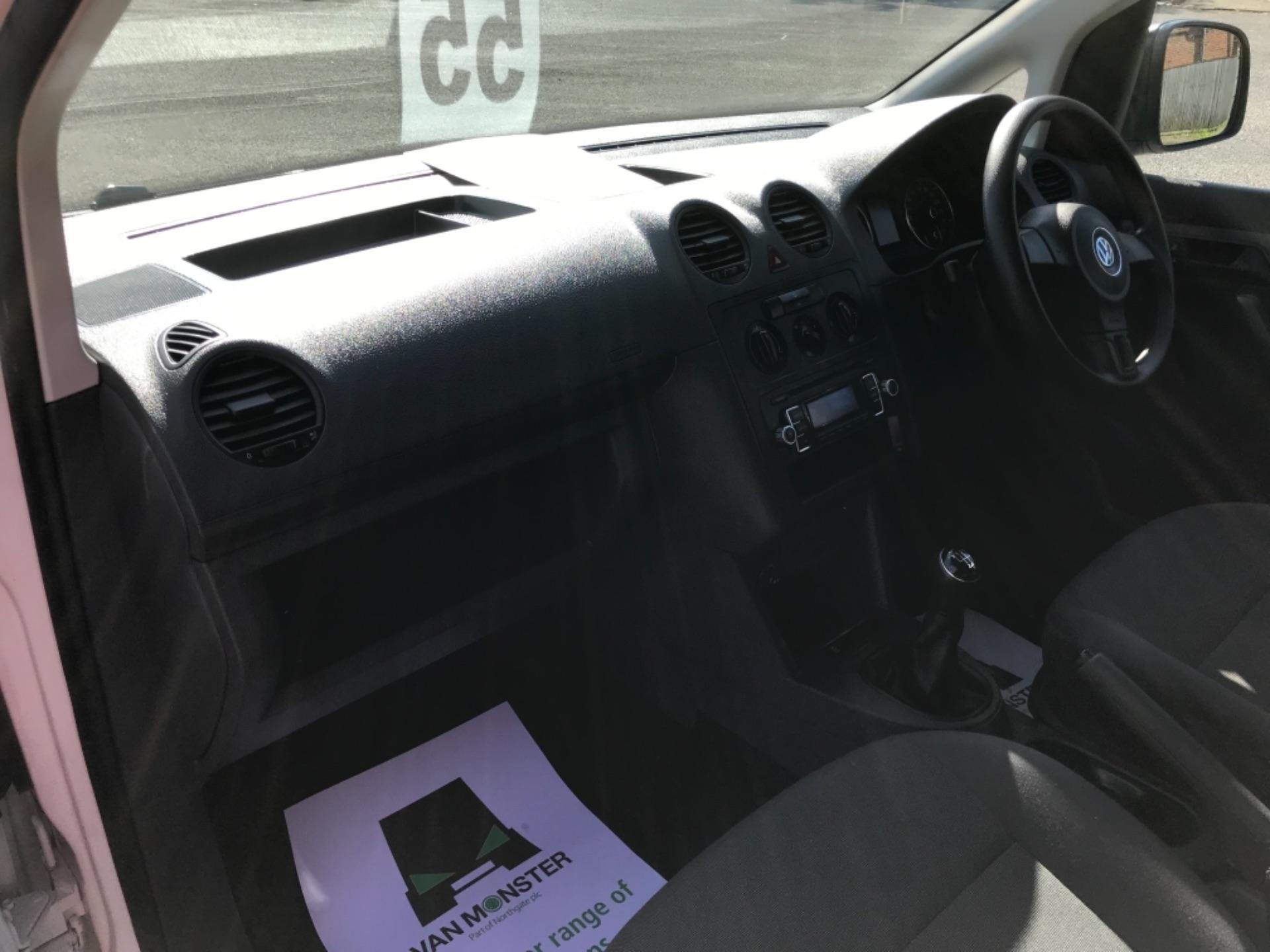 2017 Volkswagen Caddy 1.6 Tdi 75Ps Startline Van (GF17AVN) Image 24