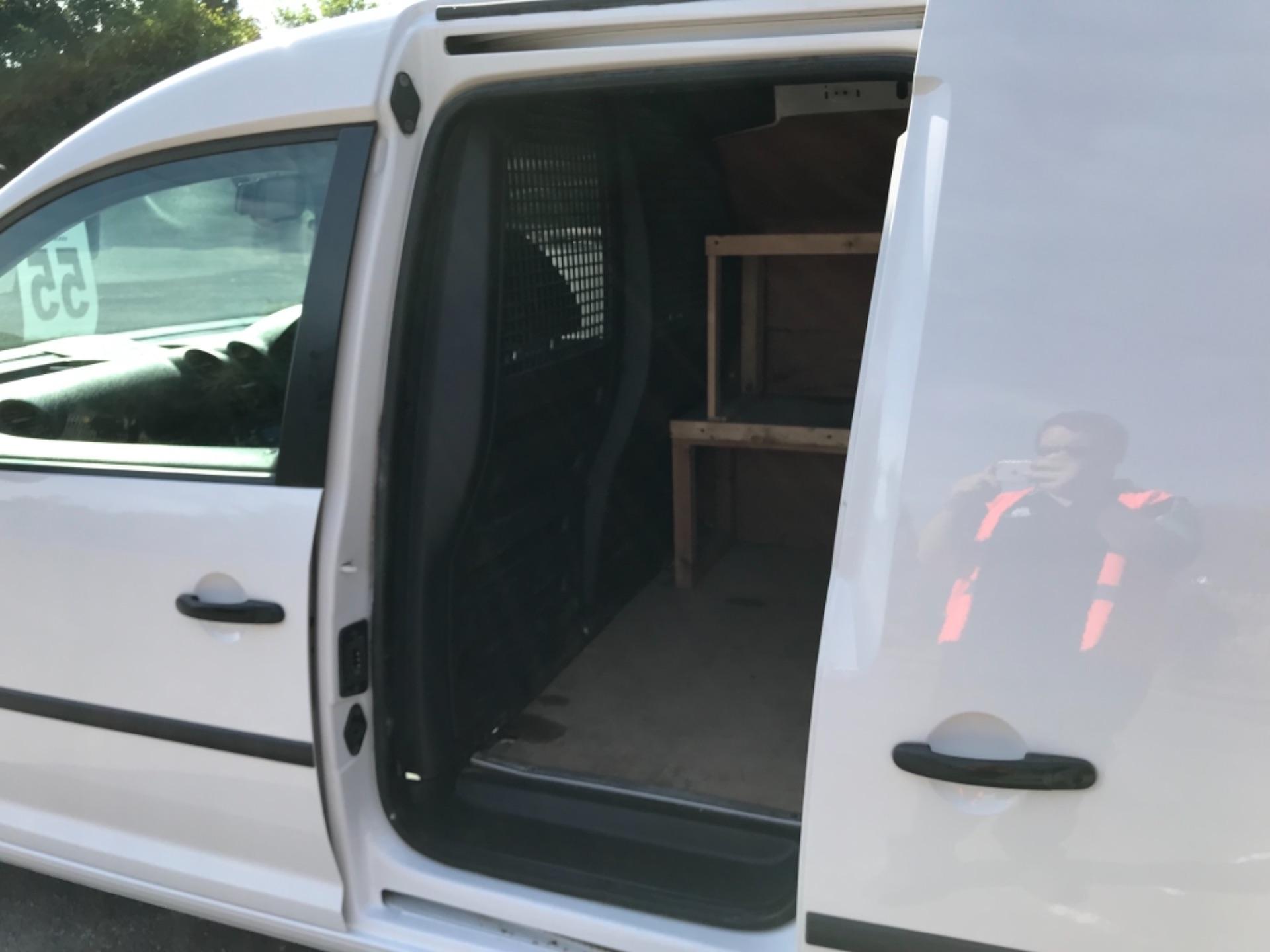 2017 Volkswagen Caddy 1.6 Tdi 75Ps Startline Van (GF17AVN) Image 27