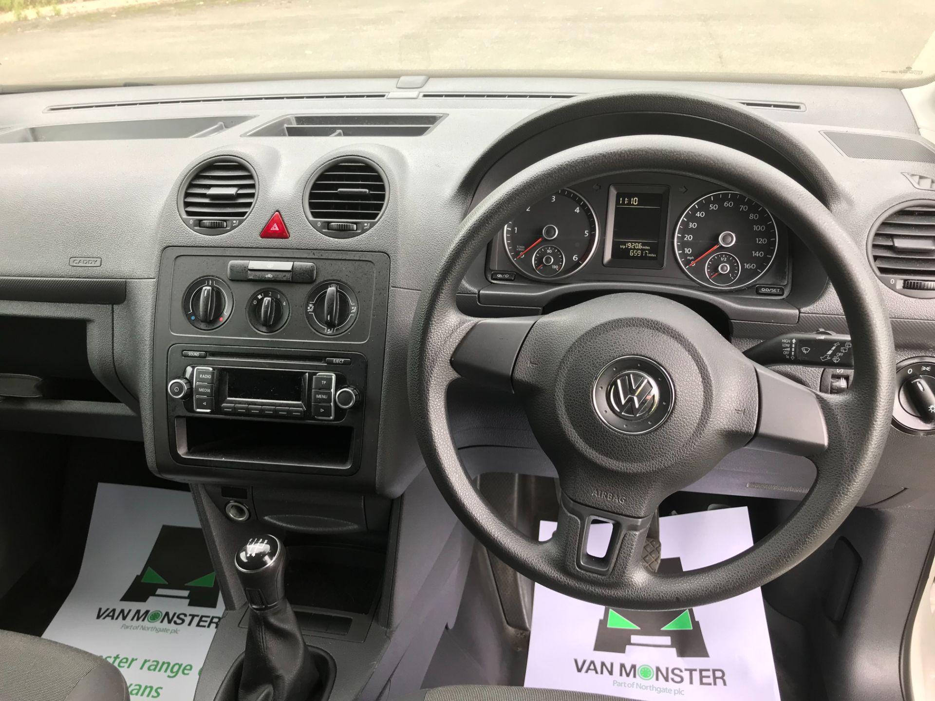 2017 Volkswagen Caddy  1.6 75PS STARTLINE EURO 5 (GF17AXG) Image 18