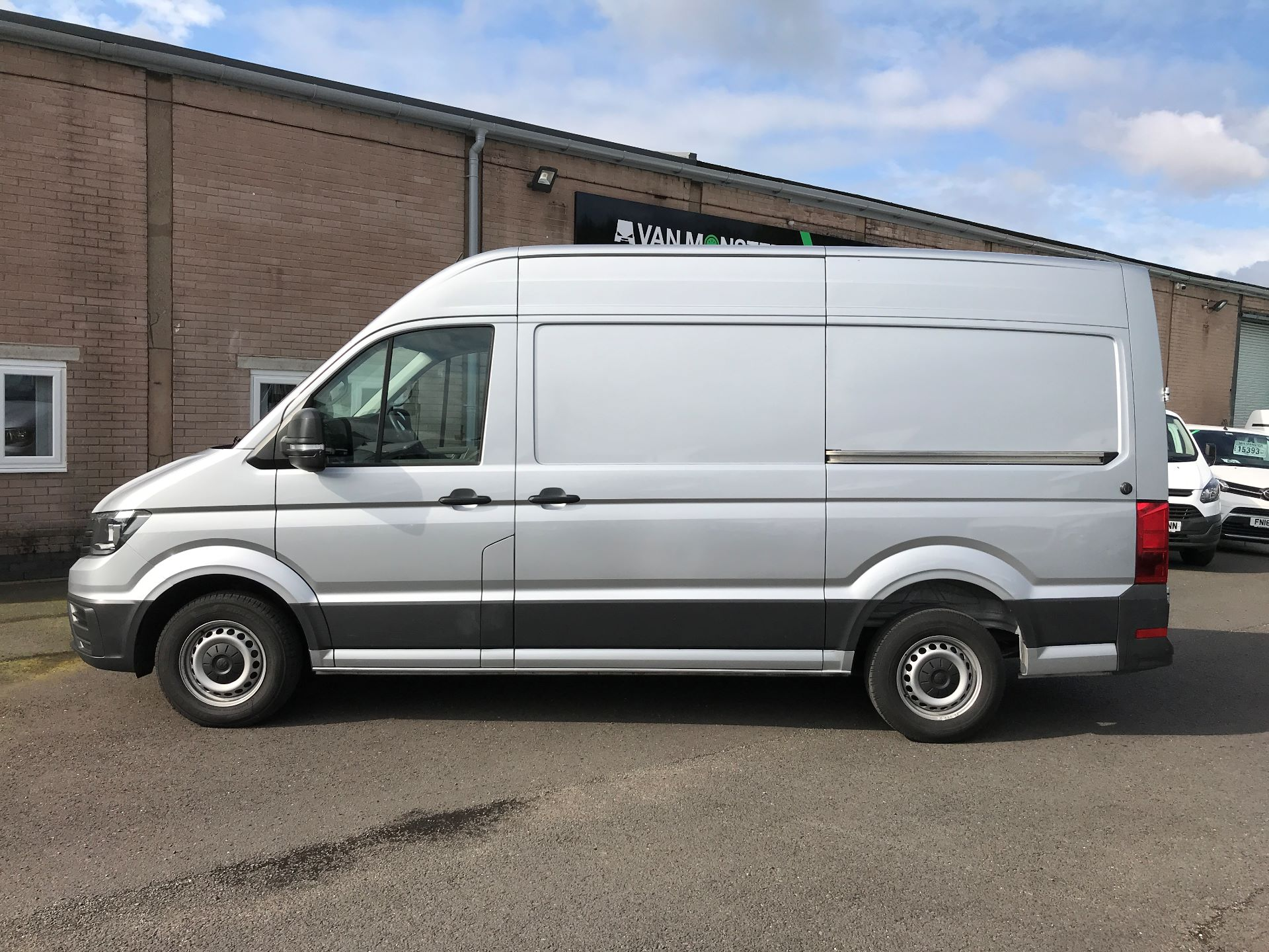 2018 Volkswagen Crafter CR35 MWB HIGH ROOF 2.0TDI 140PS STARTLINE EURO 6 (GF18CVS) Image 11
