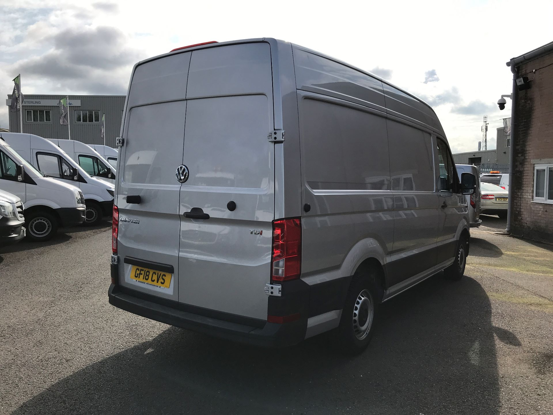 2018 Volkswagen Crafter CR35 MWB HIGH ROOF 2.0TDI 140PS STARTLINE EURO 6 (GF18CVS) Image 8