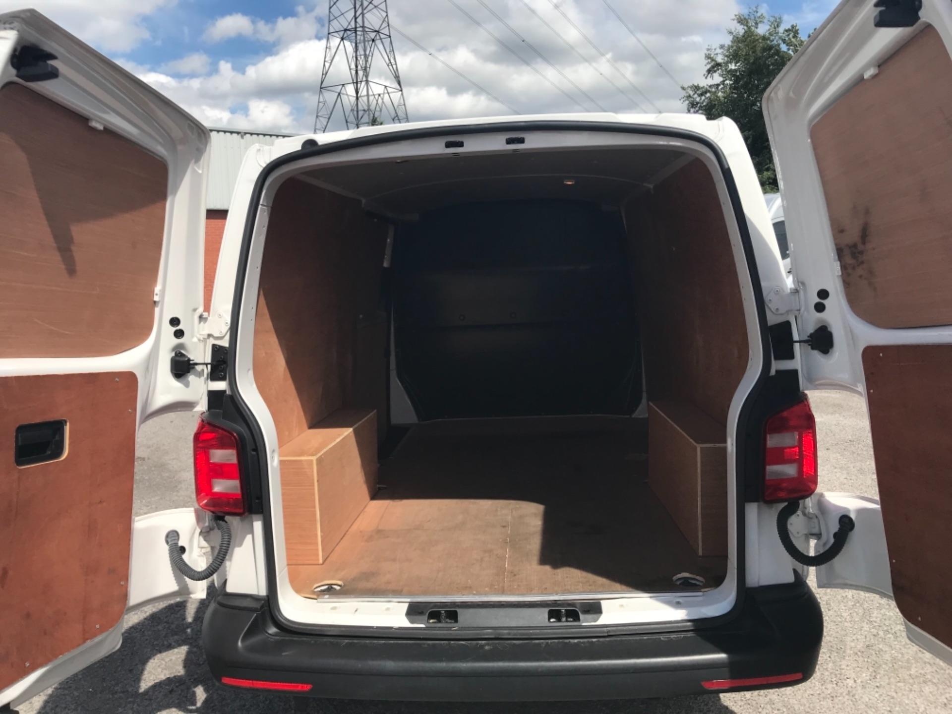 2018 Volkswagen Transporter 2.0 Tdi Bmt 102 Startline Van Euro 6 (GF18RSZ) Image 11