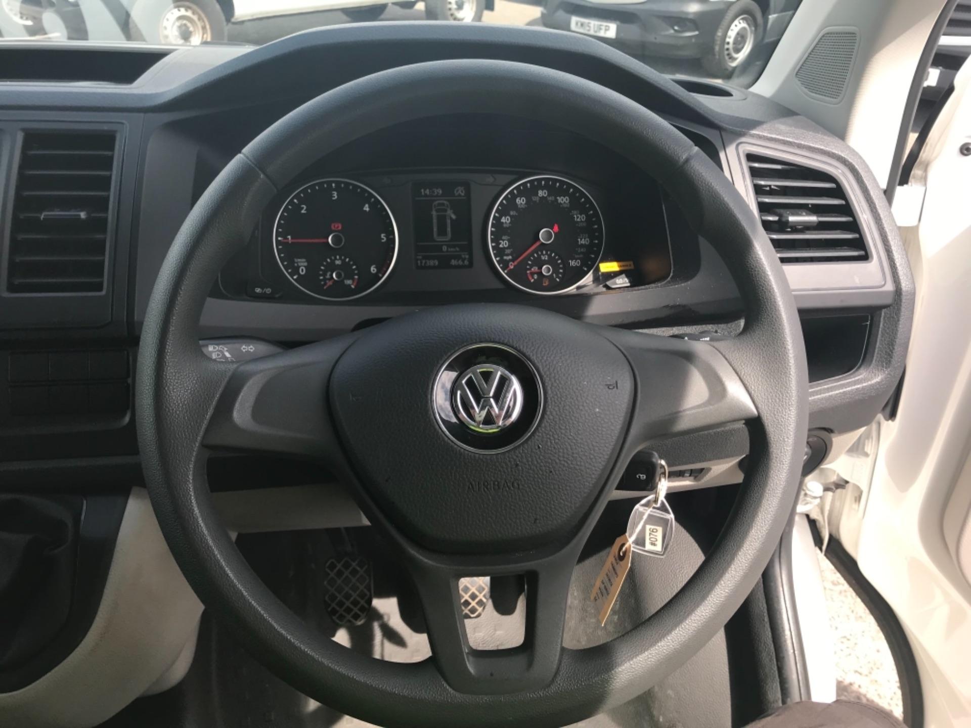 2018 Volkswagen Transporter 2.0 Tdi Bmt 102 Startline Van Euro 6 (GF18RSZ) Image 14