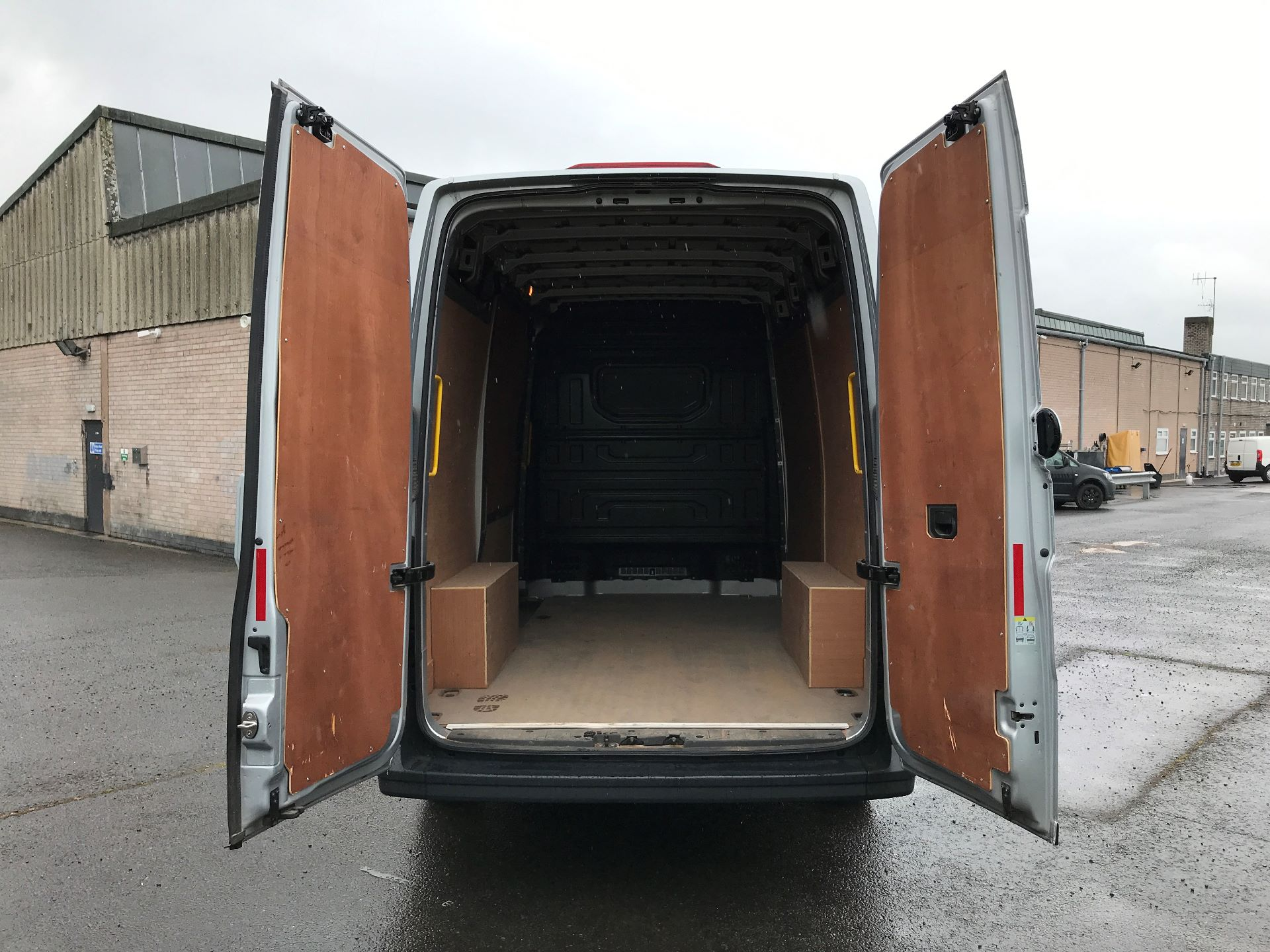 2018 Volkswagen Crafter CR35 MWB HIGH ROOF 2.0TDI 140PS STARTLINE EURO 6 (GF18RXN) Thumbnail 15