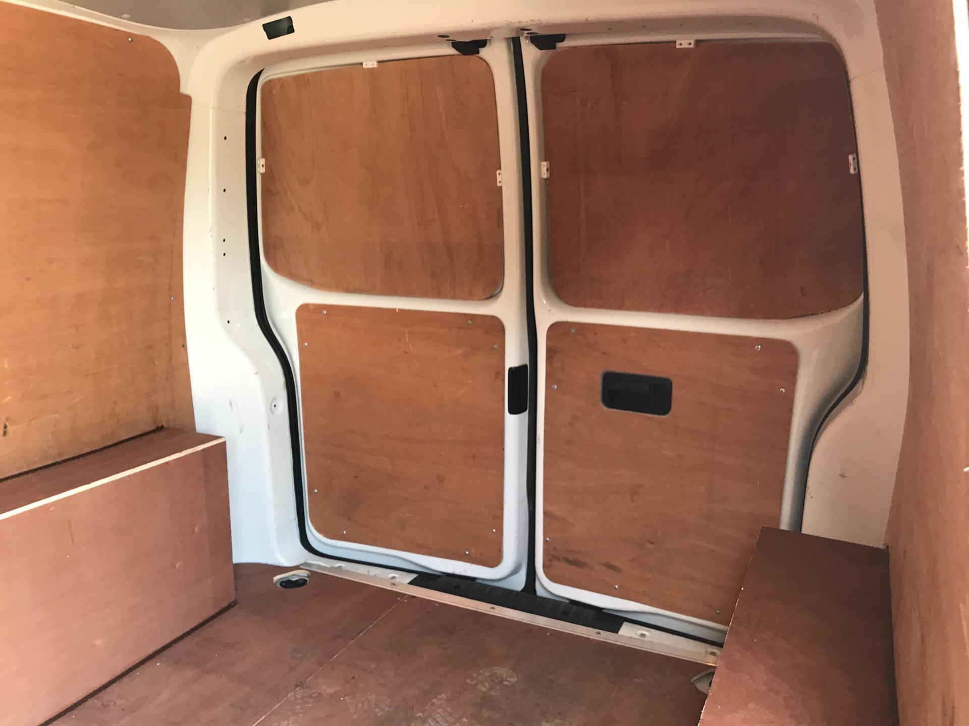 2015 Volkswagen Transporter 2.0 Tdi 102Ps Startline Van SWB (GF65BOH) Image 15