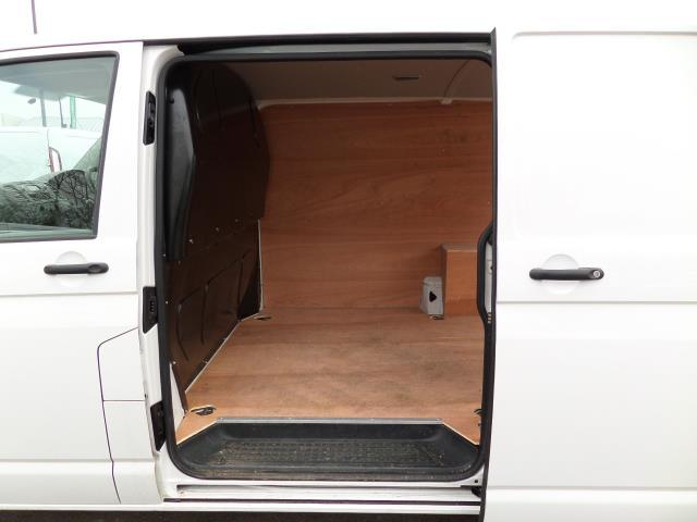 2015 Volkswagen Transporter T28 SWB DIESEL 2.0 Tdi 102Ps Startline EURO 5 (GF65FUT) Image 13