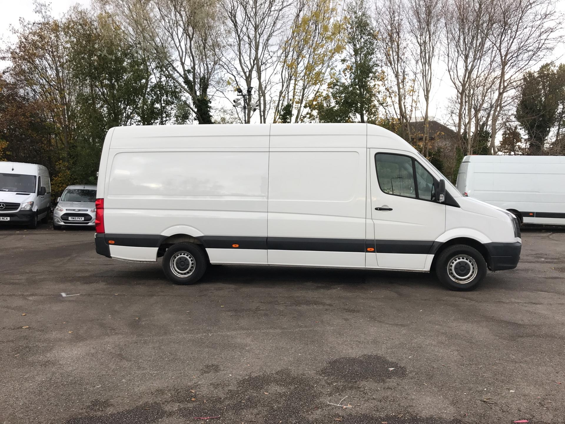 2015 Volkswagen Crafter  CR35 LWB 2.0 TDI 136PS HIGH ROOF EURO 5 (GF65LZE) Image 2